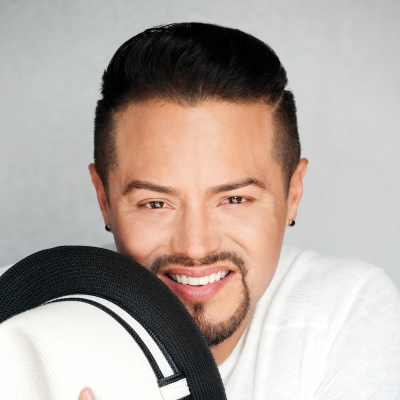 Andy Vargas – Sharing the soul of music through vocals, performance and philanthropy