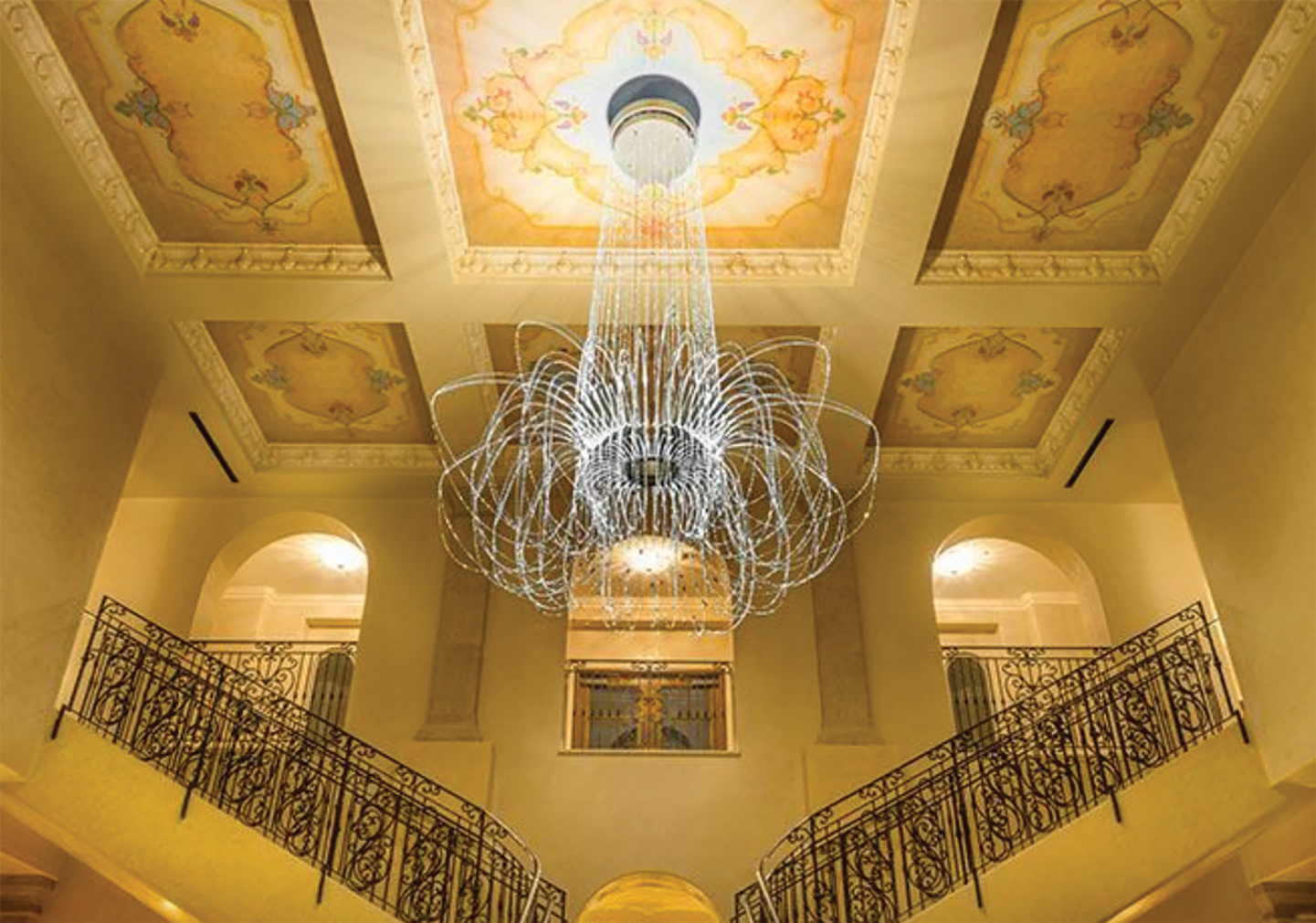 chandelier-entrance-aleggretta