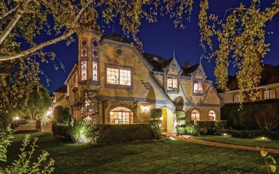 Victorian Home Offers Beauty and Uniqueness