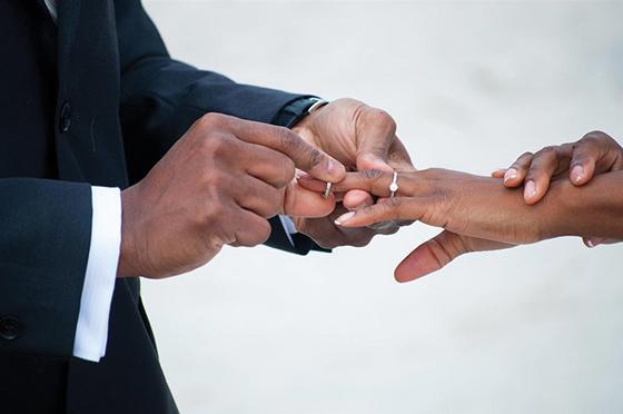 Wedding-Tips-RingOnIt-p1