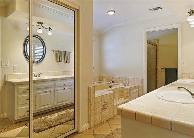 MDH-13-Master-Bathroom